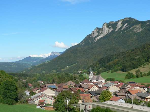 village-lullin